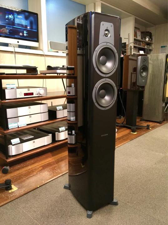 【旧モデル 店頭展示品】DYNAUDIO Contour 30 Black High Gloss